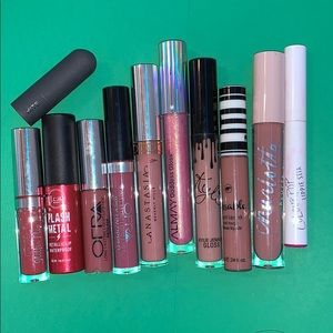 unused lipstick and lipgloss bundle!